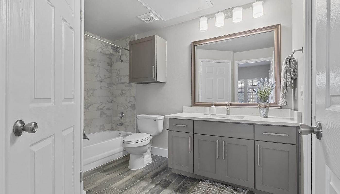 Charleston Bathroom Area
